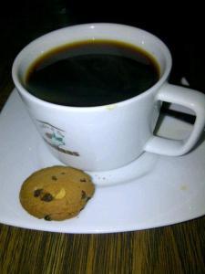 secangkir kopi luwak